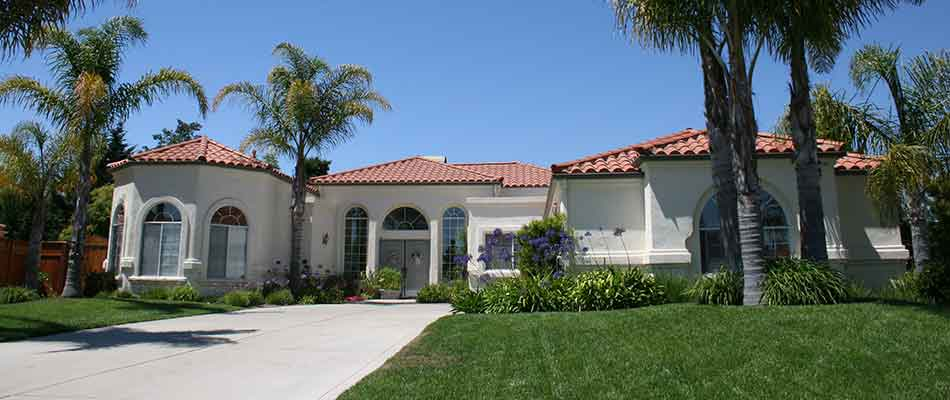 This home in Encinitas, CA maintains its landscaping with our services.